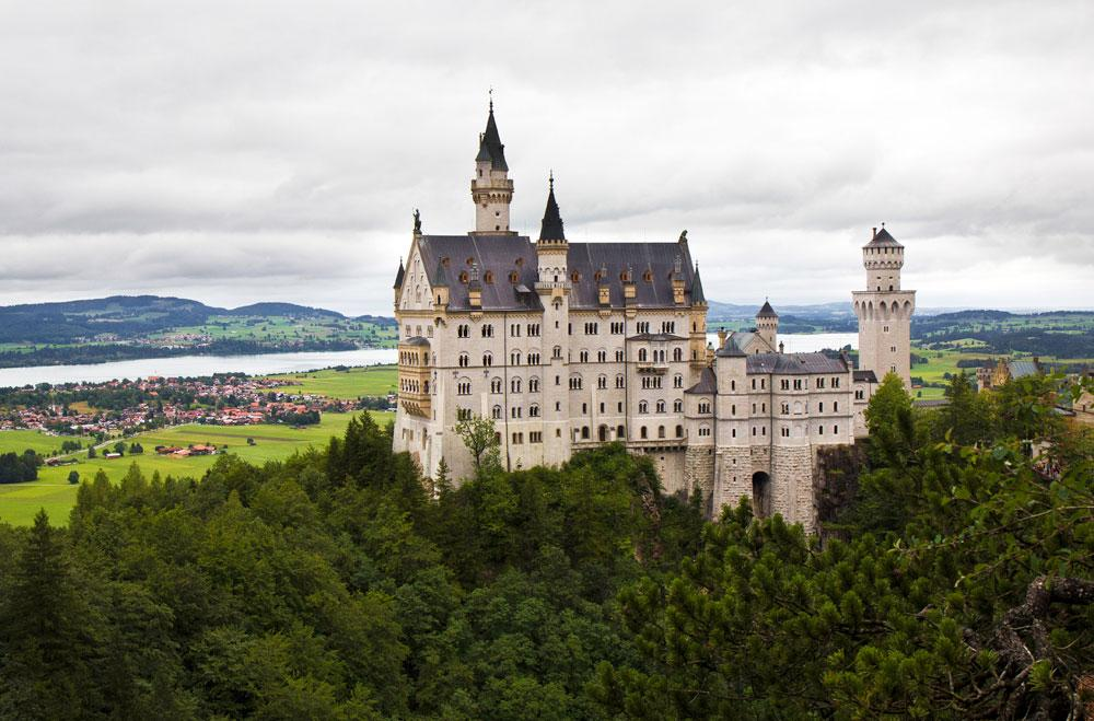 NEUSCHWANSTEIN und LINDERHOF On the footsteps of the Fairy tale King Ludwig II – Part I